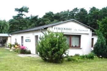 Vorderansicht der Zimmervermietung Ferienhof Am Kiefernwald