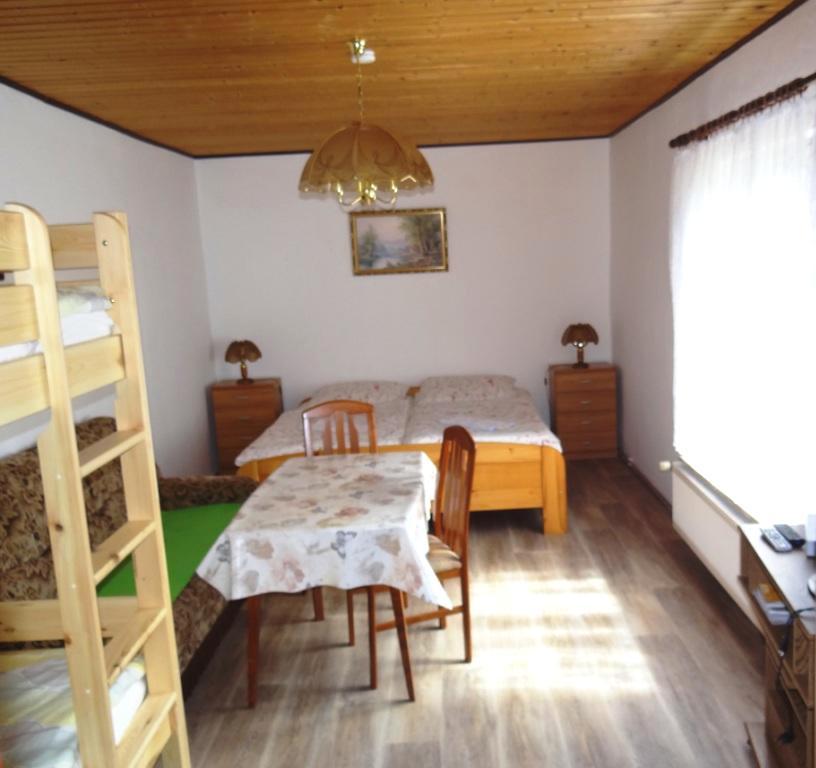 Dreibettzimmer  im Ferienhof-Gästehaus